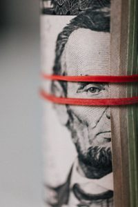 Photographie de Karoline Rabowka pour illustrer le tarif freelance d'un indépendant / freelance price